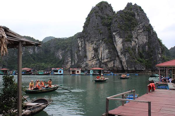 Làng chài Vung Viêng - Hạ Long
