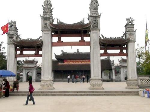Du lịch Bái Đính Đền Trần Tràng An