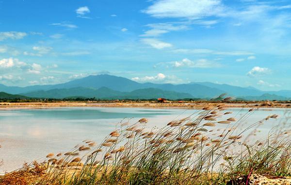Khung cảnh thiên nhiên hoang sơ tuyệt đẹp của Rạn Nam Ô