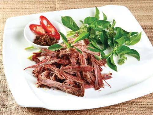Thịt trâu gác bếp