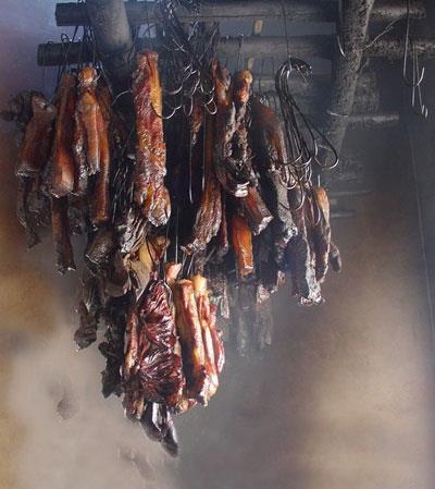 Thịt trâu gác bếp- đặc sản ngon ở Bản Lác Mai Châu