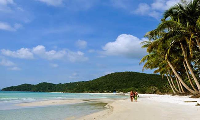 Khám phá bãi biển Sơn Hào, đảo Quan Lạn, Vân Đồn, Quảng Ninh