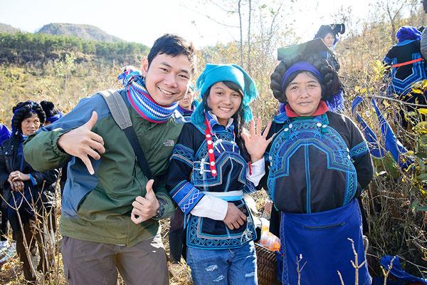 Vấn tóc là dấu hiệu để nhận biết người phụ nữ Hà Nhì đã có chồng