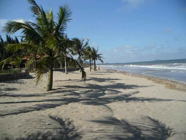 Bãi cát trắng Hải Tiến
