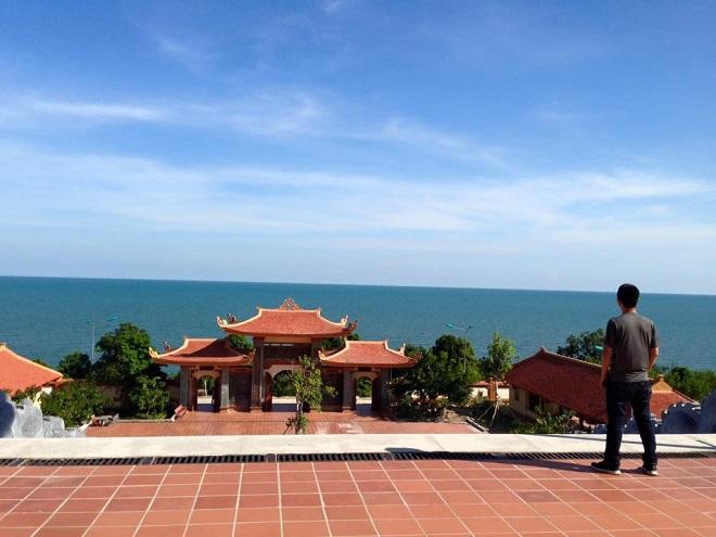 Khung cảnh ở chùa Hộ Quốc