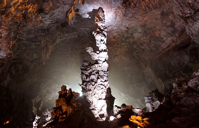 Thạch nhũ trong hang Đầu Gỗ