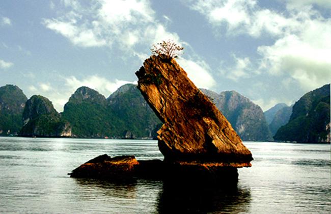 Vẻ đẹp của vịnh Bái Tử Long