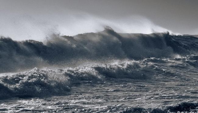 Mùa mưa bão đổ bộ về biển